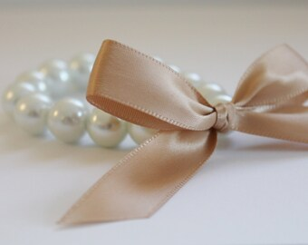 White Pearl and Dark Beige Ribbon Bracelet
