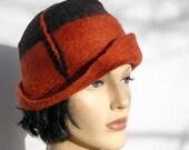 Retro hat black and warm brown felt cloche, 1920s inspired hat, art deco fashion, vintage inspired