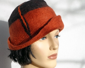 Retro hat black and warm brown felt cloche, 1920s inspired hat, art deco fashion, vintage inspired