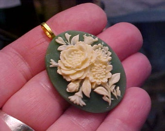 VINTAGE CLASSIC CAMEO Pendant, Green with Beige Flowers, Handmade, New, Victorian, 1960s