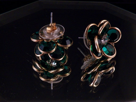 Vintage Earrings Green Flower Stud Pierced Free Shipping Costume Jewelry