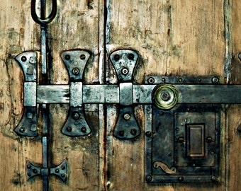 Door Wall Art,Aged, Lock, Door Handle, Rustic Home Decor, Living Room Art, Keyhole Print, Vintage,Gothic,Farmhouse Art, Steampunk, Weathered