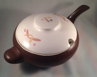 Large Eva Zeisel Casual Living tureen for Hall China