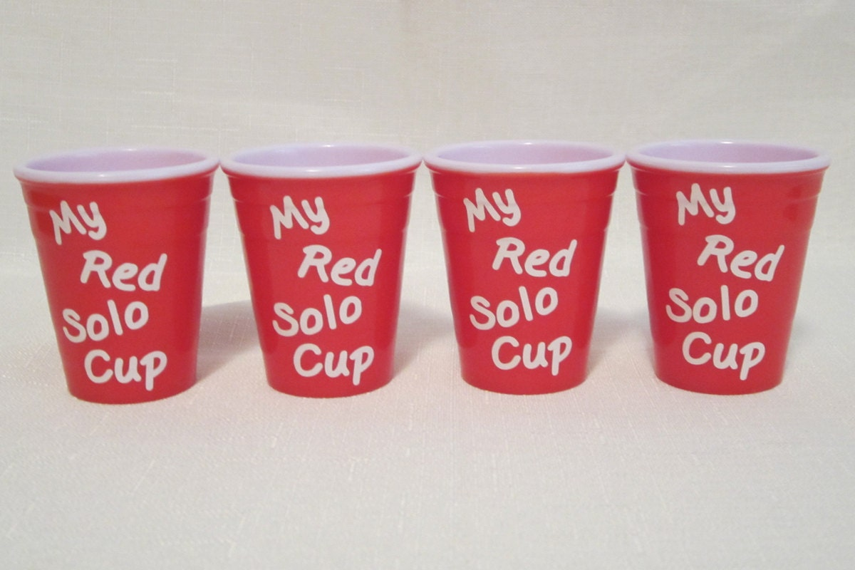 Mini my red solo cup shot glasses by southerlycreations on for Vinyl letters for plastic cups