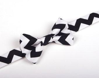 Black and White Chevron Bow Tie - Baby Toddler Child Boys - Wedding - photo prop