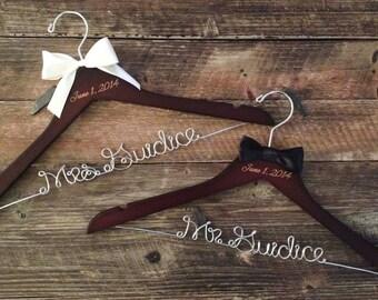 Mr. and Mrs. Wedding Hangers / Bride & Groom Hangers / Wedding Hangers SET / Personalized Hangers / Bridal Hanger / Mrs. Wedding Hanger