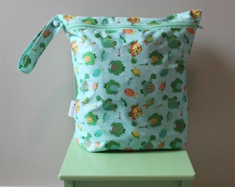 "Sale! Large Wet bag frog and turtle Wet 14""x16"" will fit approx 10-12 cloth diapers."