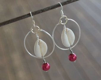 Seashell Jewelry ... Cowrie Shell Dangle  Earrings (0884)