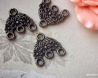 16 x 15 mm Antiqued Bronze (Two-Sided) 1 - 3 Holes Thick Filigree Connectors (.tt)