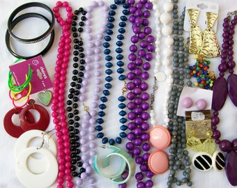 Vintage Plastic MOD JEWELRY LOT Destash Resale Crafting Wearable Upcycle Dress Up Chunky Colorful 3