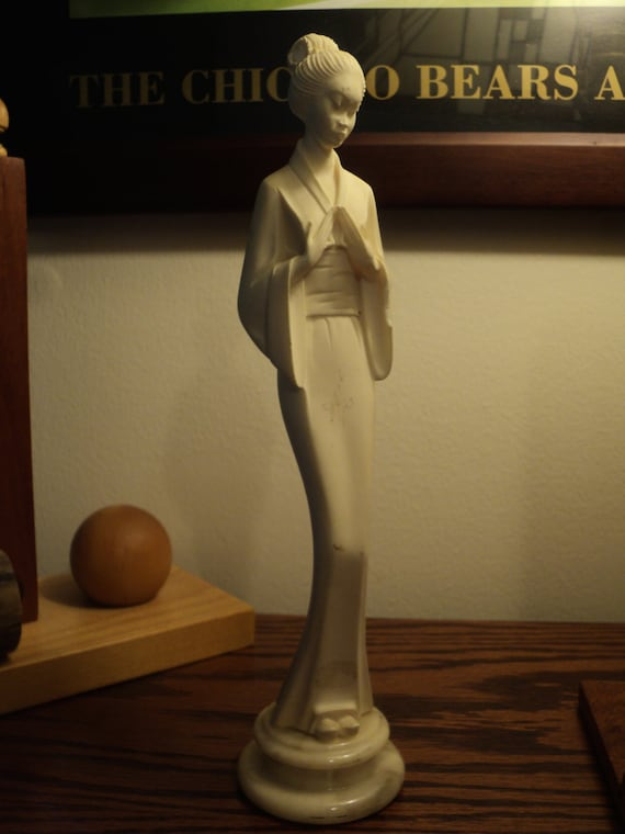 Vintage White Alabaster Sculpture Of An Asian Geisha Girl