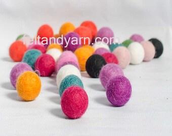 Felt balls 2 cm