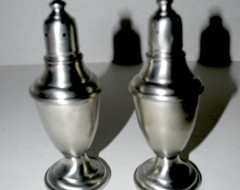 Pewter salt and pepper shakers International Pewter co