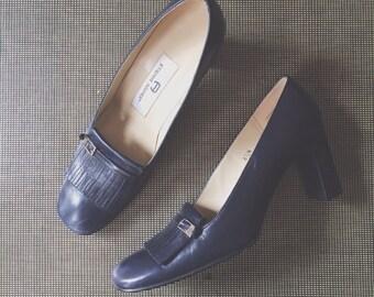 Etienne Aigner Nottingham High Heel Loafer Dress Shoes / Genuine Leather / Navy Blue / Spanish Made / Buckles and Fringe 6.5 N Narrow