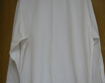 CLEARANCE vintage white all cotton sweatshirt by Xcel . . . . . . . womens size L