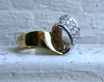 Vintage 14K Yellow Gold Pave Diamond Ribbon Ring.
