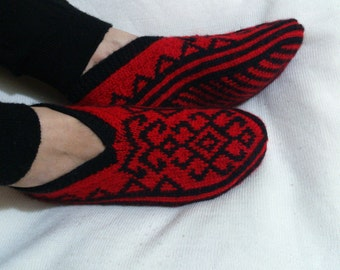 DISCOUNT  - Hand Knitting Home Slippers / Handmade Red Black Color Socks / Handmade Knit Woman Slippers