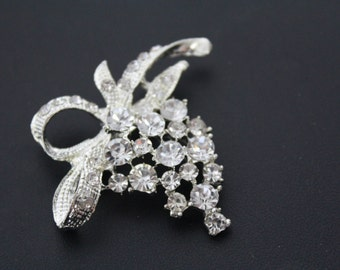 Metal Flower Brooch Pendant with Rhinestones for Crafts