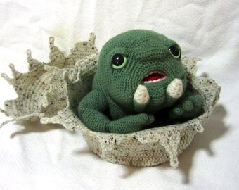 Amigurumi Beanie Baby Thark with Egg - Made to Order