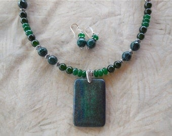 19 Inch Blue Green Chrosocolla Lapis Pendant Necklace with Earrings