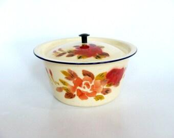 Cream Pale Yellow Metal Enamel Bowl Red Flower Design with Lid, Three Stars Enamelware, Retro Farmhouse Kitchenware