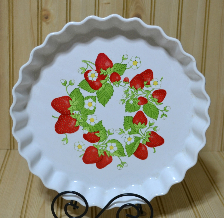 Vintage Ceramic Stoneware Pie Tart Pan Plate Strawberry Action