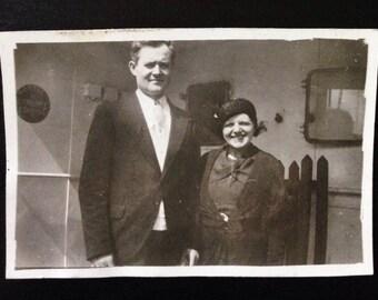 Original Antique Photograph Mr & Mrs Thomas Take a Trip