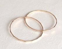 Bangle Harper - Gold filled Intertwined bangle - Interlocking bangles - Gold filled bangles set - eternity bangle. (B191)