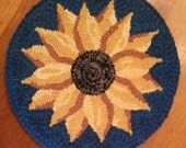 "Hooked Rug Pattern - Evening Sunflower - 12"" chair pad pattern"