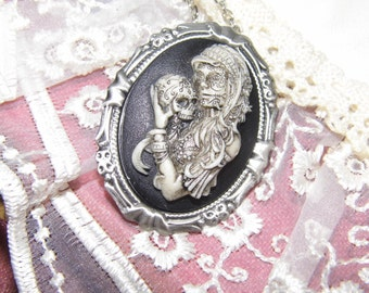SUGAR SKULL Morbid Bride Goth Steampunk Rockabilly Necklace Pendant / brooch combo Cameo