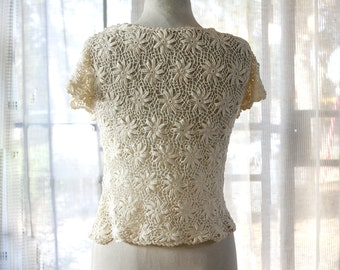 Vintage Delicate Handmade Floral Crochet Blouse – The Perfect Romantic Look