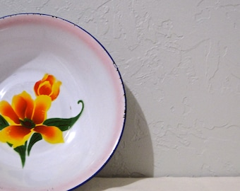 Vintage Enamelware Graniteware Floral Bowl // Cottage Chic // French Country Farm House circa 1940s