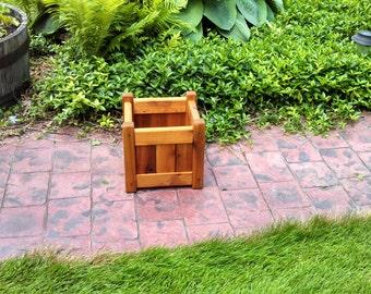 "Cedar Planter Box (10"" square)"