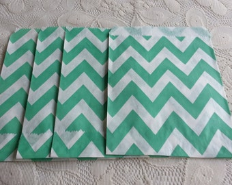Green chevron Paper Bags, Green Kraft Gift Bag 25pcs, Candy paper bag - 5 x 7inch - party favors treat or treat bag, Wedding, cookie bag