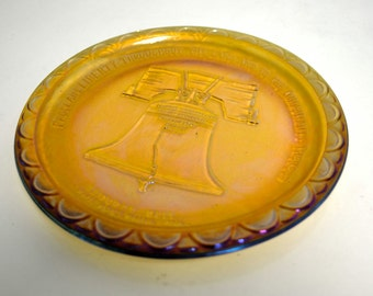 Gold Carnival Glass Plate - Vintage Commemorative Plate - American Bicentennial 1776-1976 - Collectors Edition Indiana Glass Co