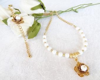 White Onyx Necklace and Bracelet Set, Wedding Jewelry Set, Flowers Necklace and Bracelet Set,   Gold , Wedding Necklace and Bracelet Set