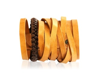 ESSENCE. Leather cuff with plait / braided cuff / leather bracelet / leather accessory. Available in different leather colors.