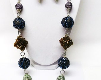 31 Inches Mixed Chunky Bead Necklace & Earrings Set