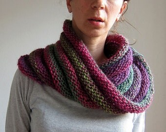 Knitted Neck warmer Fuchsia and Green, Chunky Cowl, Hooded Scarf, Infinity Scarf, Chunky Snood Shawl Wrap.