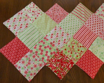 Christmas Holiday Quilted Table Runner - Quilted Table Topper - Holiday Decor - Christmas Decorations