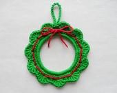 PDF PATTERN - small crochet Christmas Wreaths - US terminology