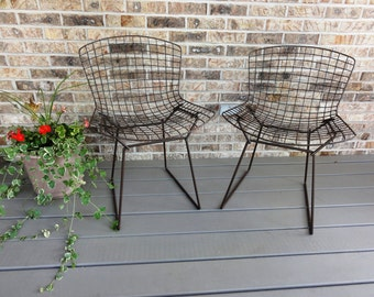 Pair of Vintage Bertoia Side Chairs, Knoll, Painted Mesh Wire, Mid-Century Modern Furniture #595