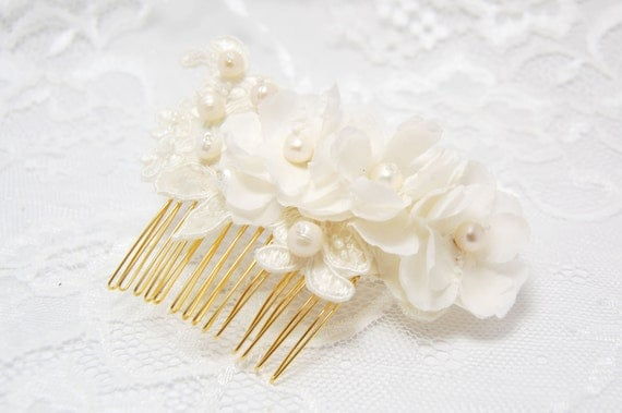 Wedding hair comb, Bridal hair comb, Pearl hair comb, Bridal hair accessories, Ivory bridal comb., Bridal hair piece, Wedding headpiece