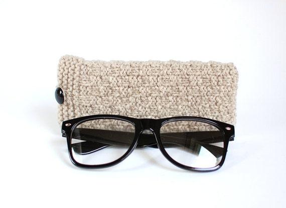 SALE - 30% OFF. Gray Glasses Case, Grey Reading Glasses Cozy, Eyeglasses or Sunglasses Holder.