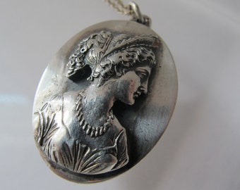 HENRYK WINOGRAD Silversmith 1970s Repousse 999 Silver Handcrafted Artisan Cameo Pendant Work of Art/ Small Size/ French Empire Maiden