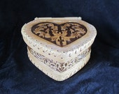 Heart Box /Hand made Box made of natural Birch bark