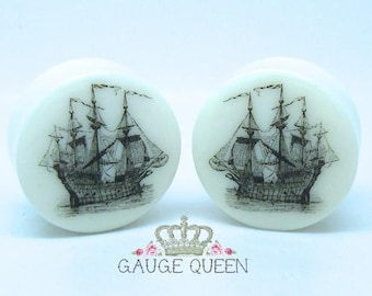 "Vintage Ship Plugs / Gauges. 4g /5mm, 2g /6.5mm, 0g /8mm, 00g /10mm, 1/2"" /12.5mm, 9/16"" /14mm, 5/8"" /16mm, 3/4"" /19mm, 7/8"" /22mm, 1"" /25mm"