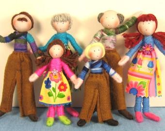 Dolls House Doll Set - customisable (The Extended family)