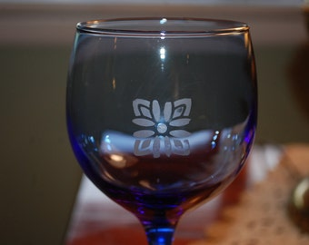 Blue Wine Glass with Glass Etching Flower Design