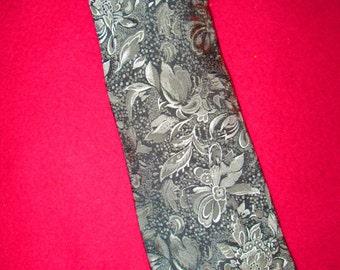 Beautiful Vintage 1980's Men's Silk Necktie Silvery Gray Floral Design